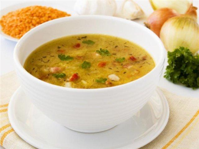 суп с сыром и копченой колбасой