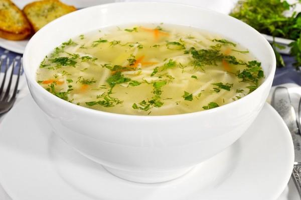 Вермишелевый грибной суп на курином бульоне