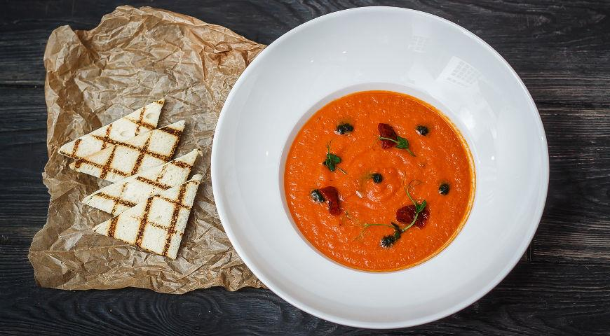 Крем-суп гаспачо из вяленых помидоров