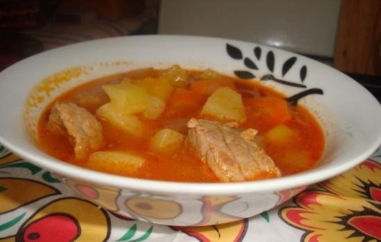 Суп из говядины с чечевицей в мультиварке