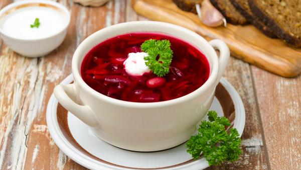 вкусный и настоящий украинский борщ