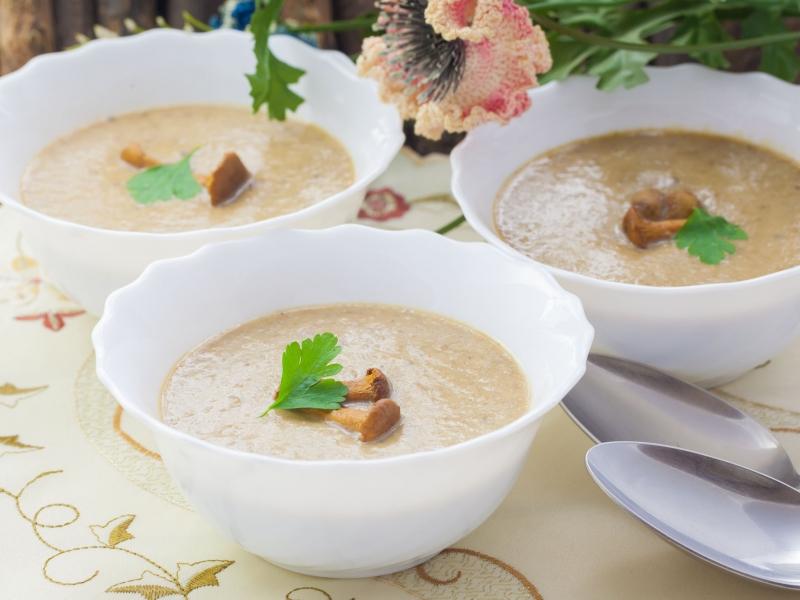 Грибной суп со сливками и курицей