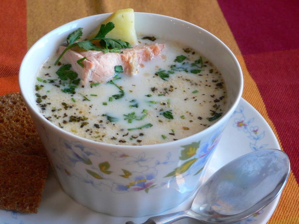 Классический финский суп с семгой и сливками — лохикейтто