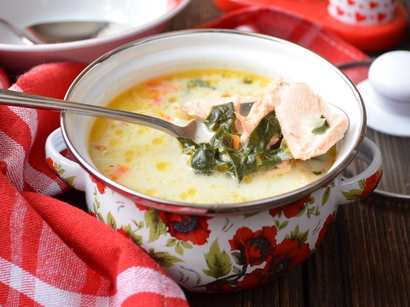 Суп со сливками и лососем