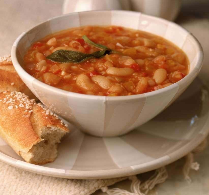 Суп фасолевый с мясом по-арабски