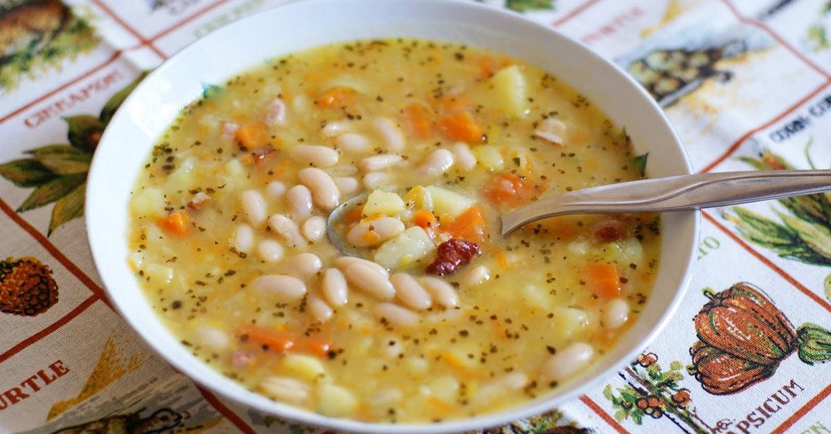 Фасолевый суп из консервированной фасоли с мясом