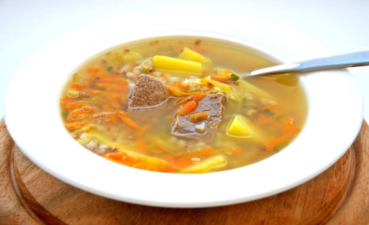 """Суп с мясом и картошкой """"Луковое горе"""""""